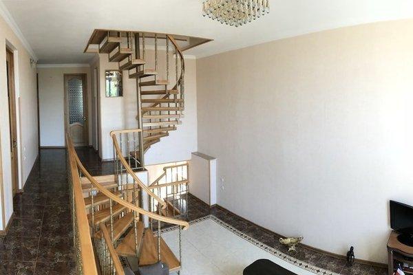Bajo Guest House - фото 12