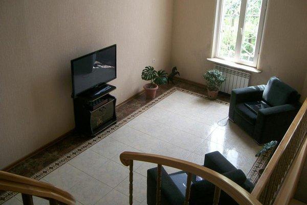 Bajo Guest House - фото 5