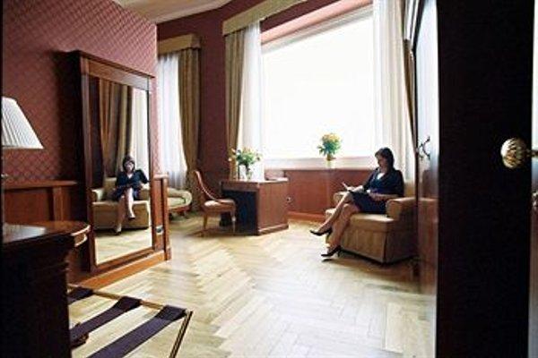 Hotel Livingston - 4