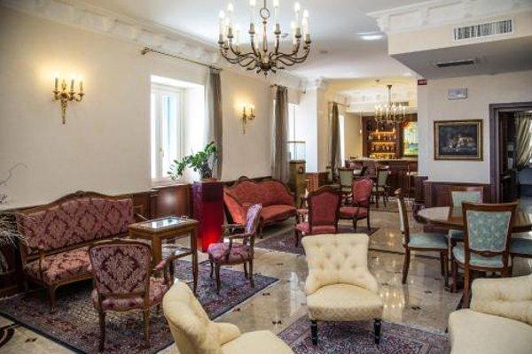 Hotel Livingston - 5