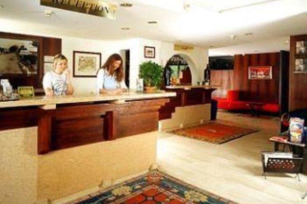 Hotel La Paul - фото 9