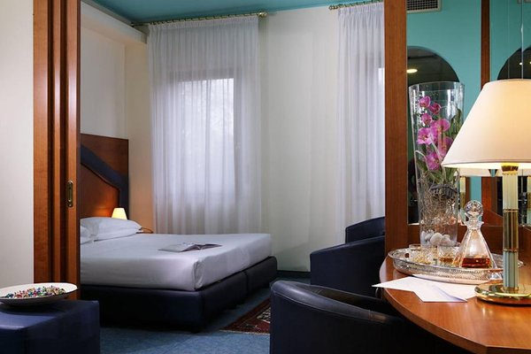Hotel Carlton - фото 4