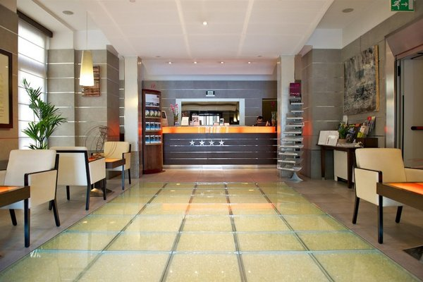 Best Western Crystal Palace Hotel - 9