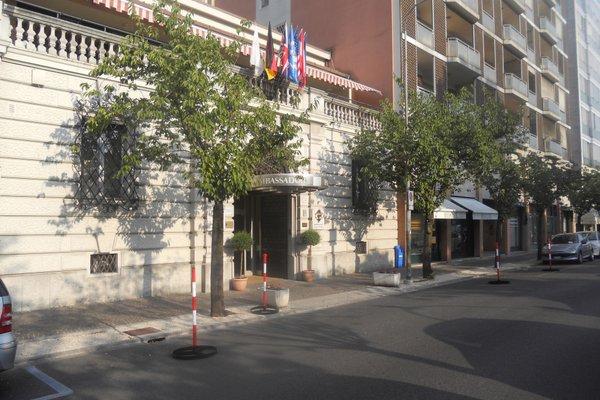 Ambassador Palace Hotel - 22