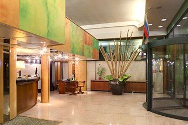 City Hotel - фото 15