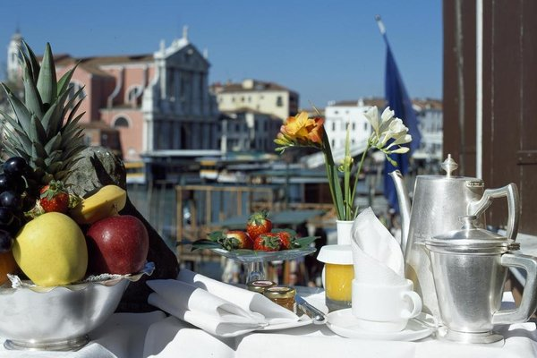 Hotel Carlton On The Grand Canal - фото 11