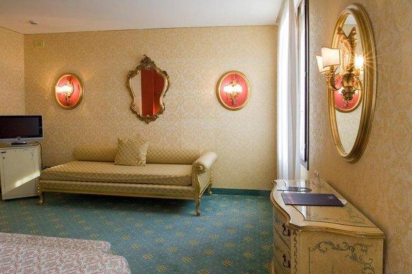 Hotel Amadeus - 4