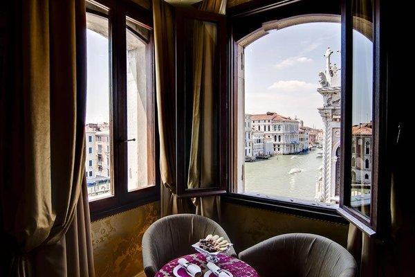 Pesaro Palace - фото 17