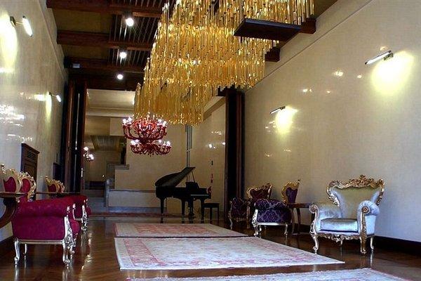Pesaro Palace - фото 6