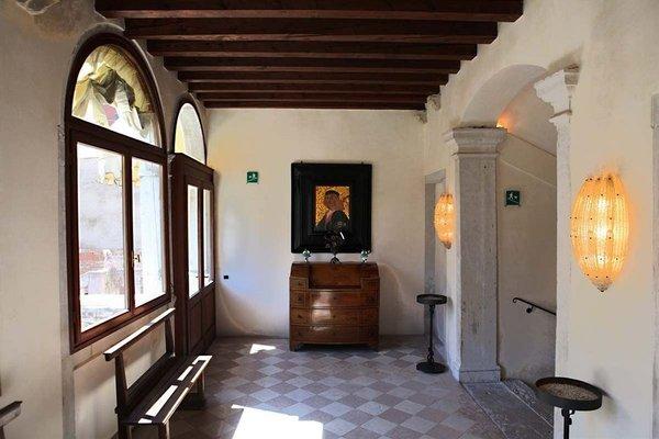 Palazzo Contarini Della Porta Di Ferro - photo 13