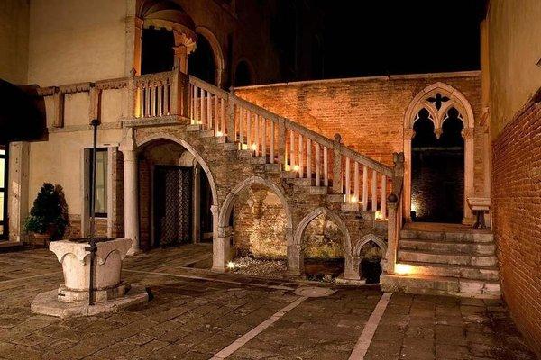 Palazzo Contarini Della Porta Di Ferro - photo 14