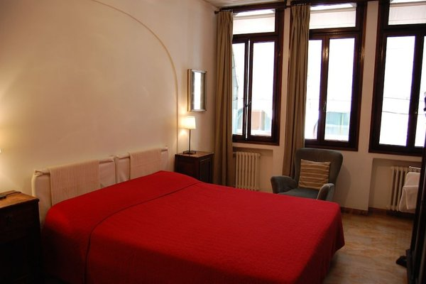 Room in Venice Bed & Breakfast - фото 13