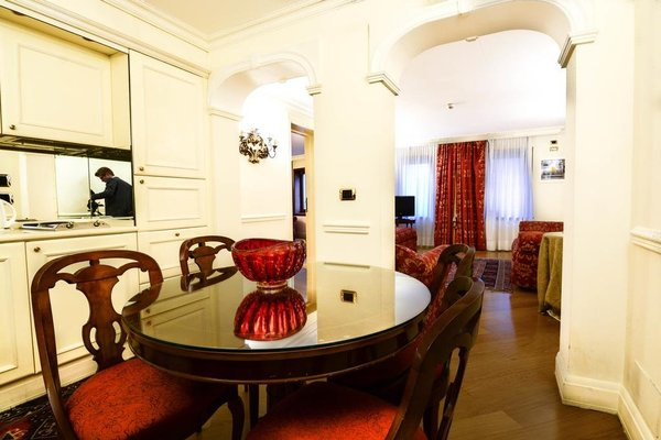 San Marco Luxury - Torre dell'Orologio Suites - фото 11