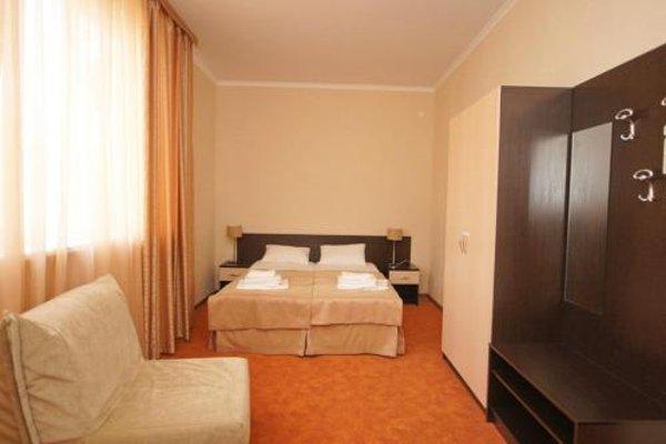 Golden Hills Hotel - фото 6