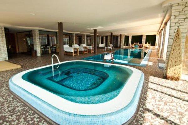 Royal Casino SPA & Hotel Resort - 8