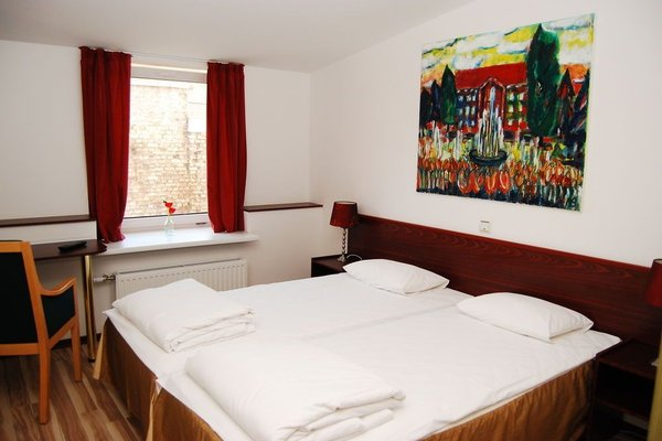 A1 Hotel - фото 5