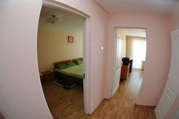 LEU Guest House (ЛЕУ Гест Хаус) - фото 15