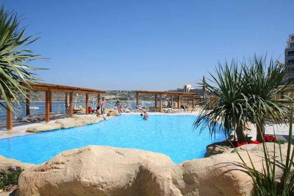 Sunny Coast Resort & Spa - 20