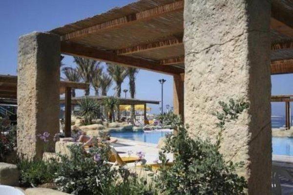 Sunny Coast Resort & Spa - 22
