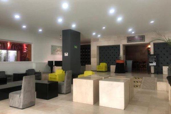 We Hotel Aeropuerto - 16