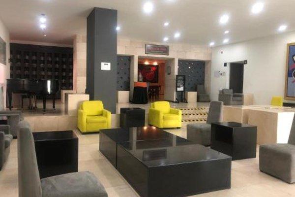 We Hotel Aeropuerto - 18
