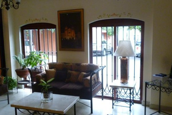 Quinta Roca Hotel - 8