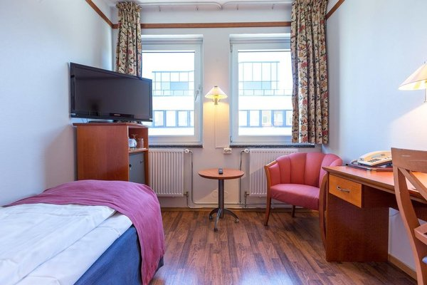 Enter Amalie Hotel - 3