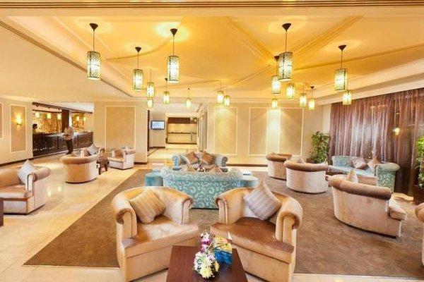 Al Falaj Hotel - фото 4