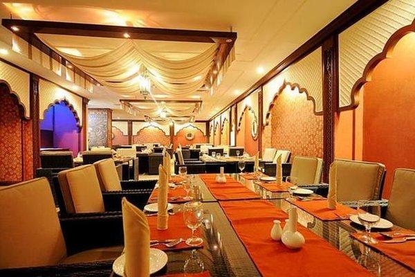 Al Falaj Hotel - фото 7