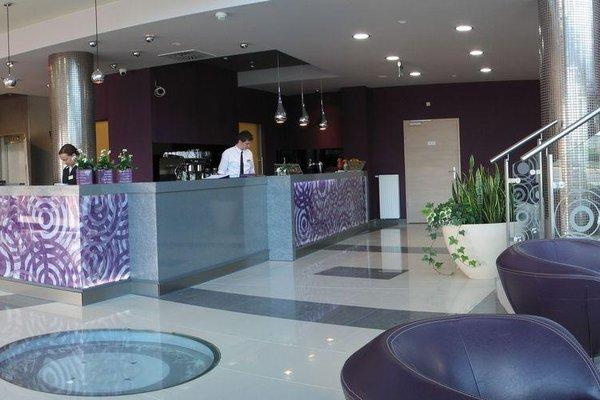 Galaxy Hotel - фото 12
