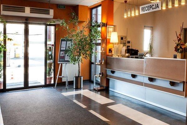 System Hotel Krakow - 14