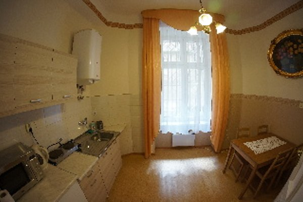Metropolitan Apartments - 13