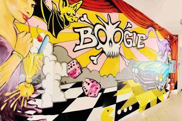 Boogie Hostel - 16