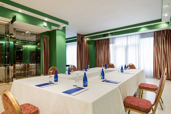 Hotel Fernan Gonzalez - фото 18