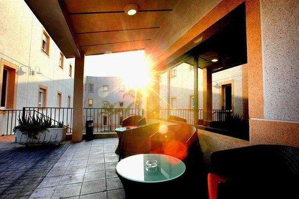 Eliana Park Hotel - 16
