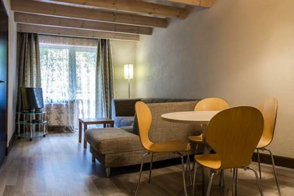 Agate Hotel - 12