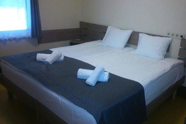 Agate Hotel - 3