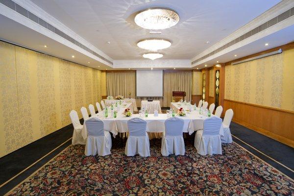 Carlton Tower Hotel - 13