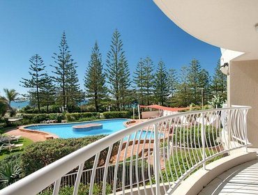 Апартаменты Burleigh Surf Apartments