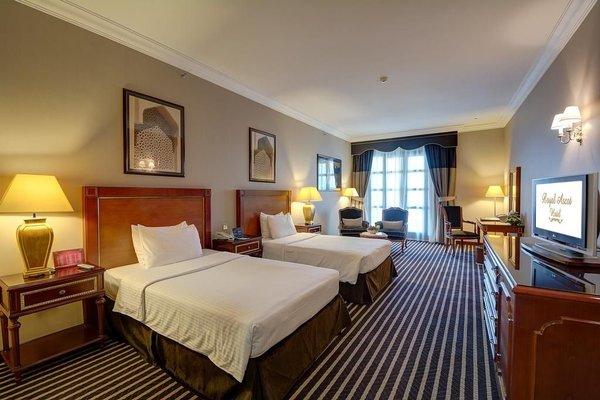 Royal Ascot Hotel - фото 3