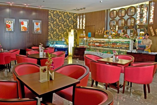 Flora Park Deluxe Hotel Apartments - фото 16
