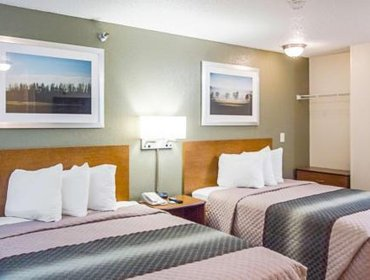 Guesthouse Crossland Economy Studios - Houston - West Oaks