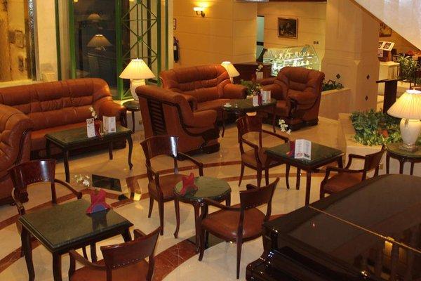 Carlton Palace Hotel (ех. Metropolitan Palace) - фото 11