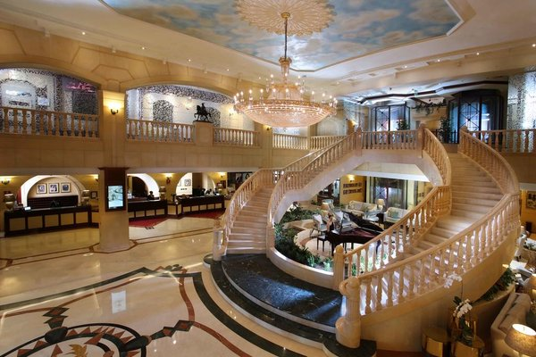 Carlton Palace Hotel (ех. Metropolitan Palace) - фото 4