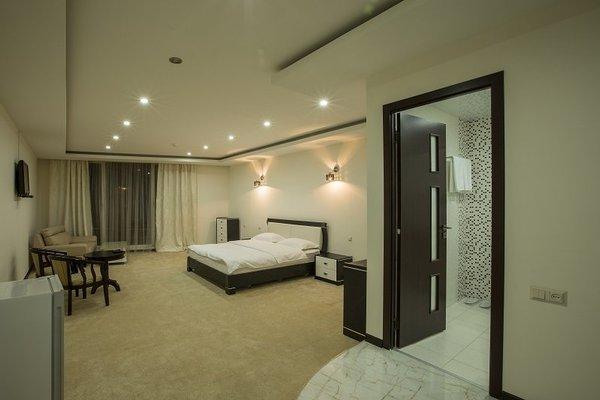 Amber Hotel - 3