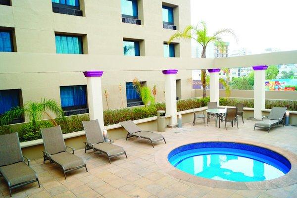 LQ Hotel by La Quinta Monterrey Centro - фото 22