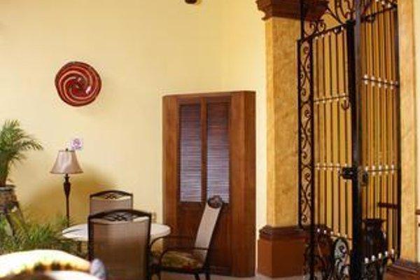 Casa Alebrijes Gay Hotel - фото 12