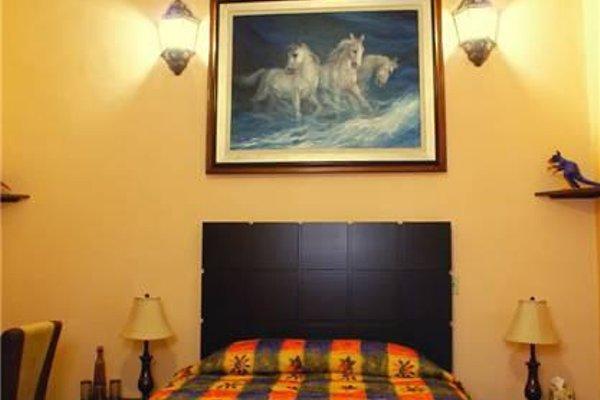 Casa Alebrijes Gay Hotel - фото 7