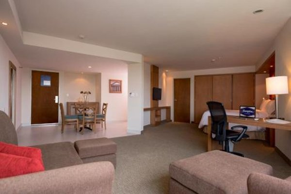 Hampton Inn by Hilton/ GuadalajaraExpo - 4