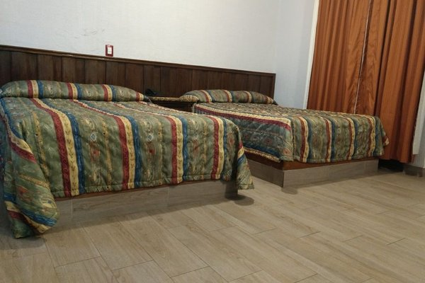 Hotel Don Quijote Plaza - 13